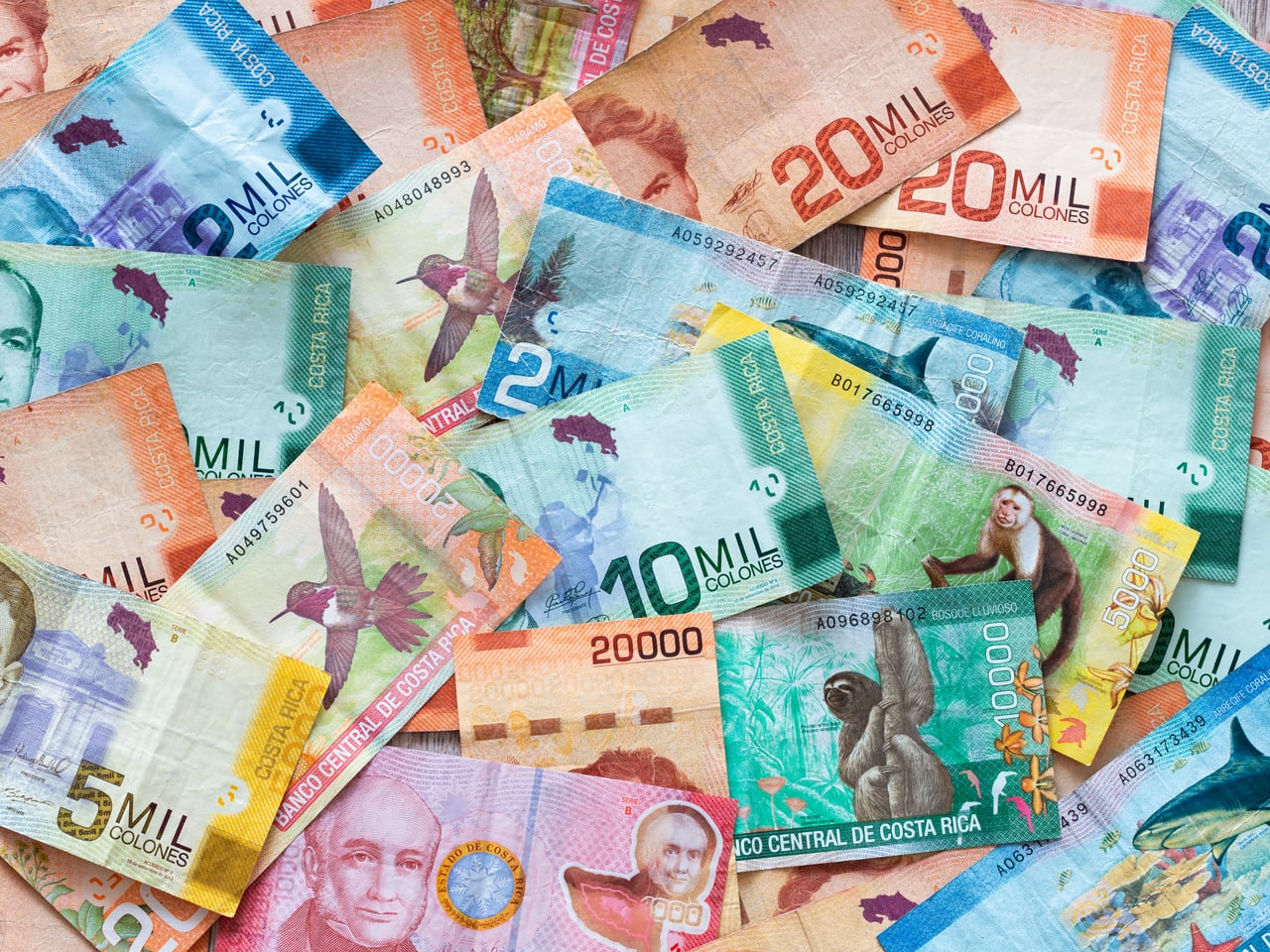 what currency is used in costa rica