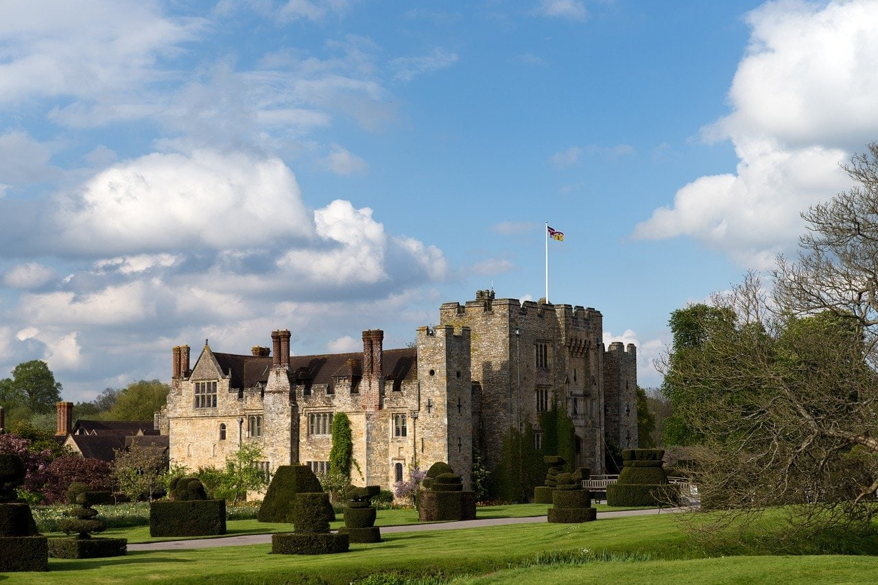 Historical buildings in England